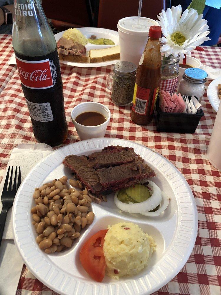 Martinez BBQ: 100 East Main Ave, Robstown, TX
