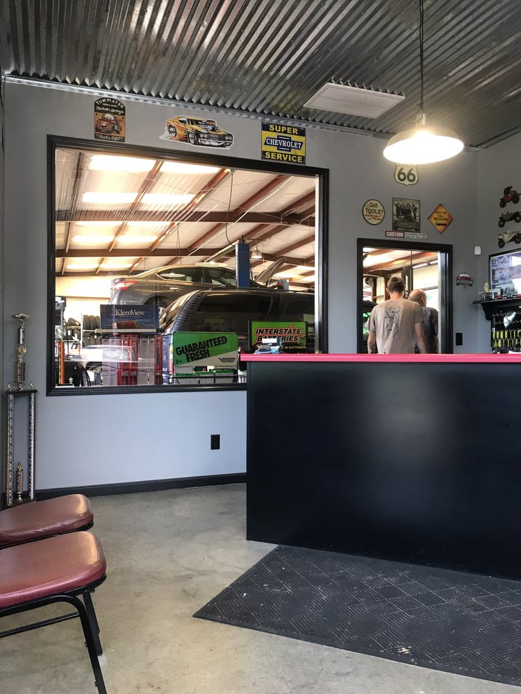 Complete Car Care: 8562 Hwy 301 N, Claxton, GA