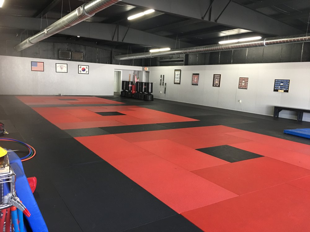 Day's Blackbelt Academy: 117 N 4th St, Durant, OK