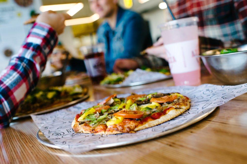 Azzip Pizza: 3800 Frederica St, Owensboro, KY