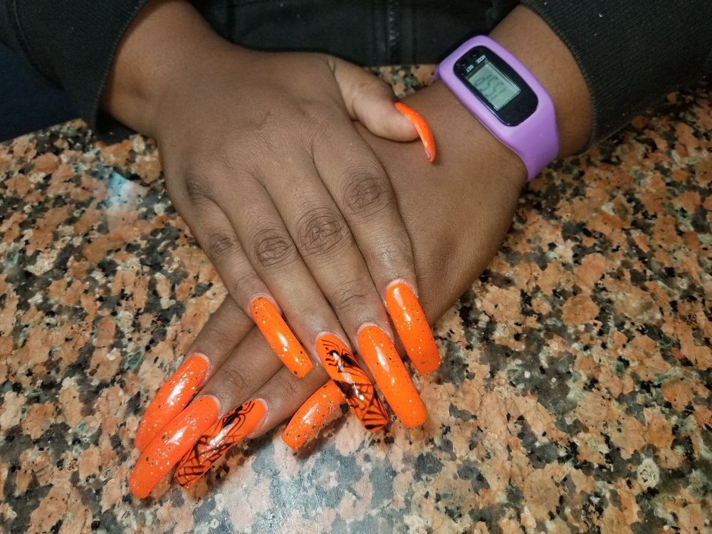Golden Nails Salon