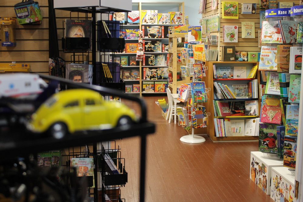 Castle Toys and Games: 682 3rd St, Beaver, PA