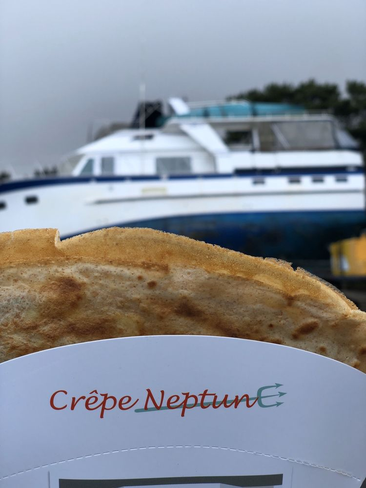 Crepe Neptune: 175 E 2nd St, Cannon Beach, OR