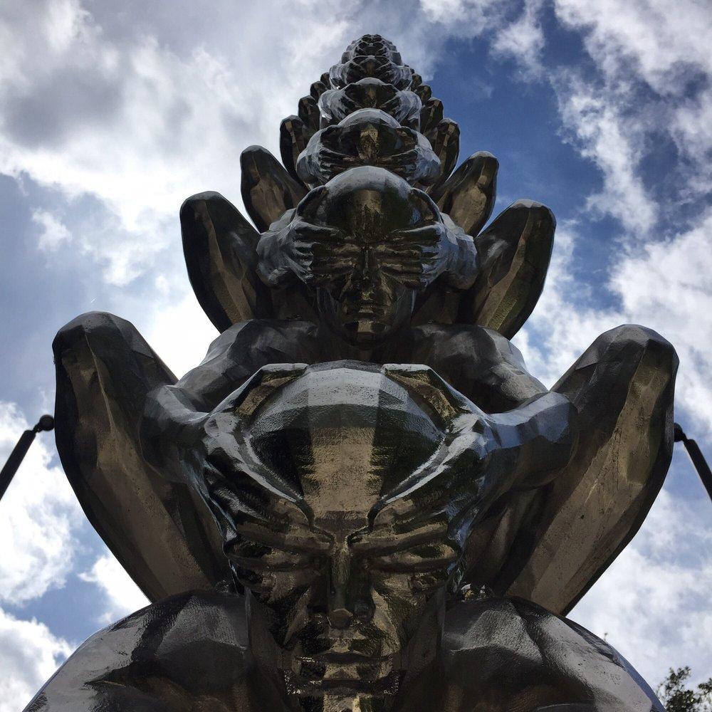 The Sydney and Walda Besthoff Sculpture Garden