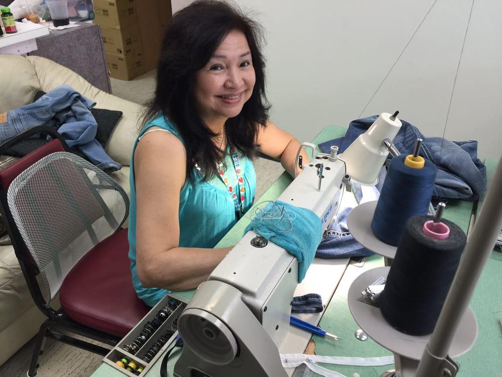 Jeannie's Dressmaker: 6732-B Hwy 6 S, Houston, TX