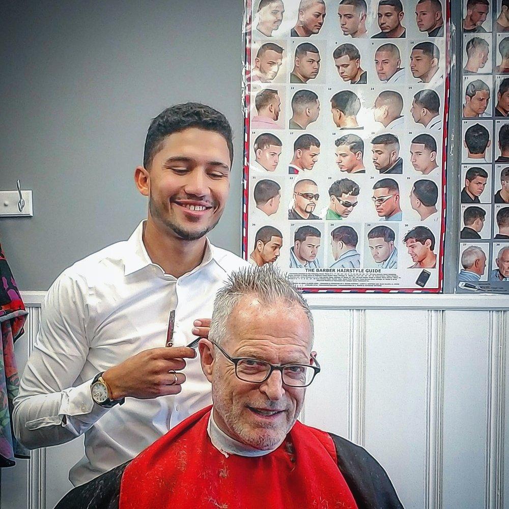 Roberts Barber Shop 65 Photos 19 Reviews Barbers 6 North