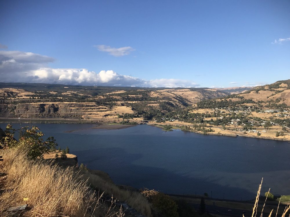 Tom McCall Point hike: Mosier, OR