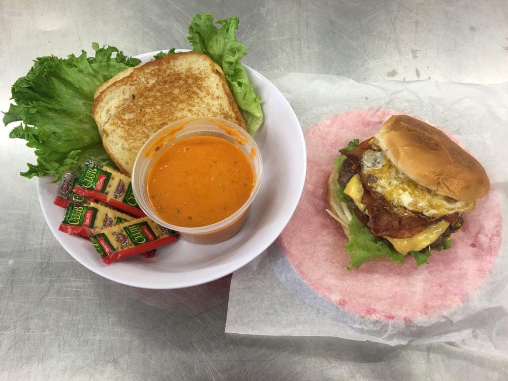 Cattleman's Kitchen: 1220 State Hwy 124, Winnie, TX