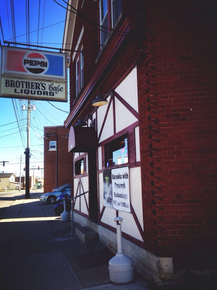 Brother's Cafe: 7208 Montgomery Rd, Cincinnati, OH