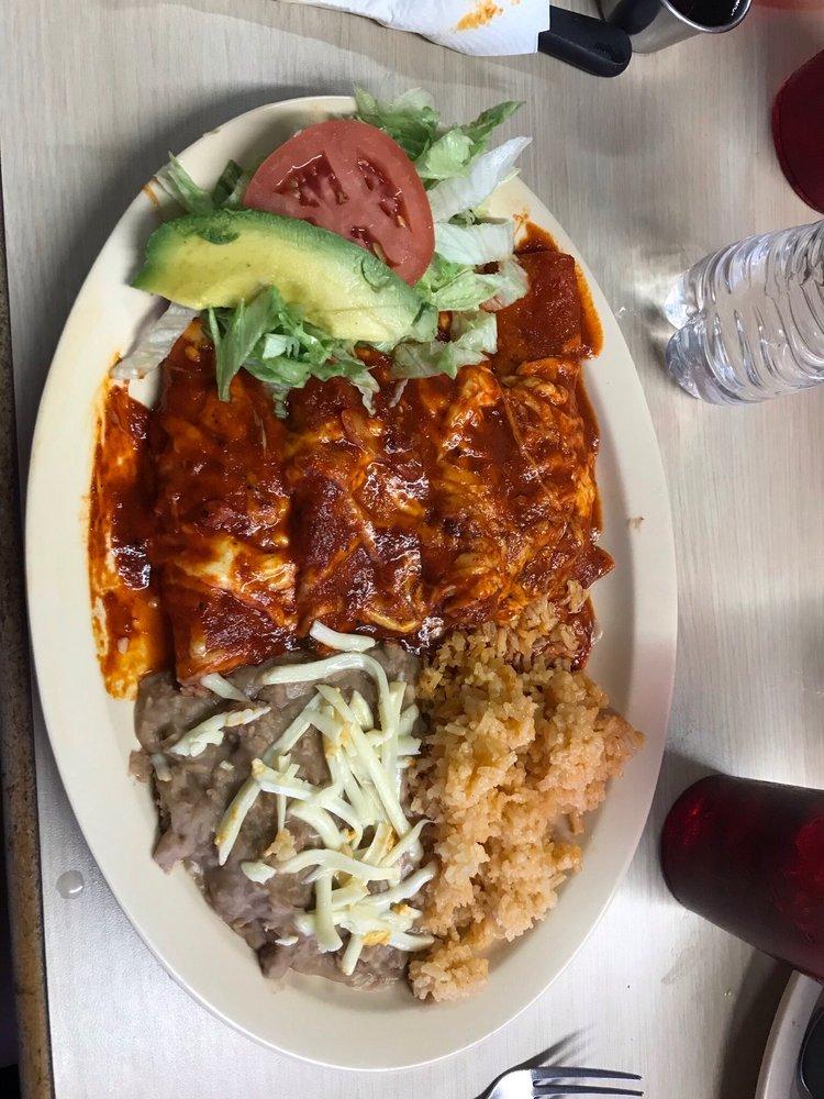 Rodarte Bar & Grill: 1537 N Fabens Rd, Fabens, TX