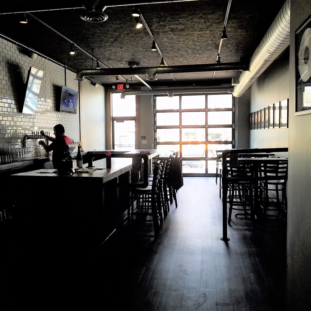 Chilly Water Taproom: 4155 Boulevard Pl, Indianapolis, IN