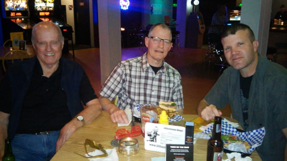 Photo Of Gilhooligans Bar Grill Portland Or United States Casual Fun
