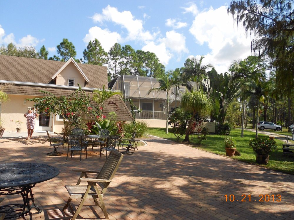 Southern Palm Bed And Breakfast: 15130 Southern Palm Way, Loxahatchee, FL
