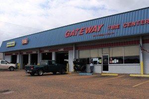 Gateway Tire & Service Center: 280 Eureka St, Batesville, MS