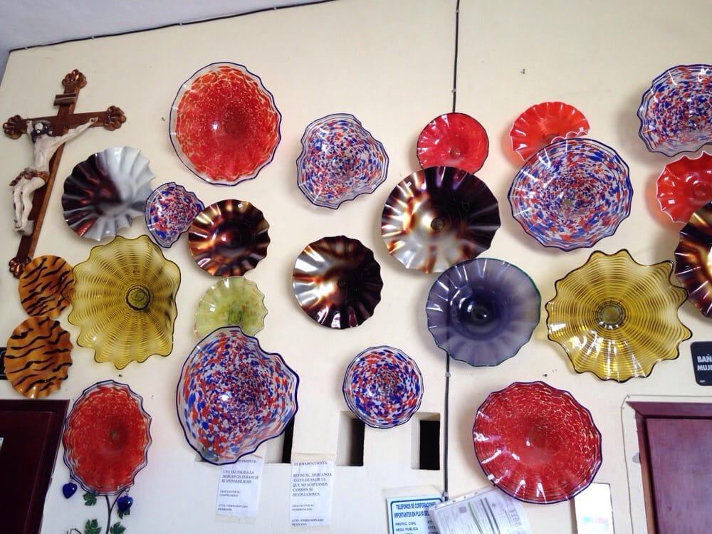 Plato es multicolor que bien pueden adornar una pared o el - Platos decorativos pared ...