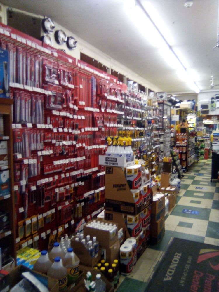 Village Hardware: 7934 Fort Hunt Rd, Alexandria, VA