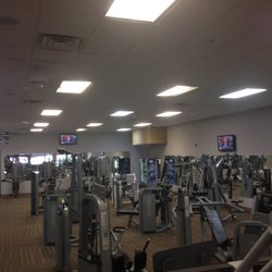 gold s gym fitnessstudio 11694 us 70 business hwy w clayton nc vereinigte staaten. Black Bedroom Furniture Sets. Home Design Ideas