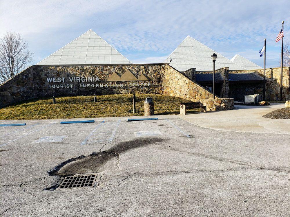 West Virginia Tourist Information: 186 Greasy Ridge Rd, Princeton, WV