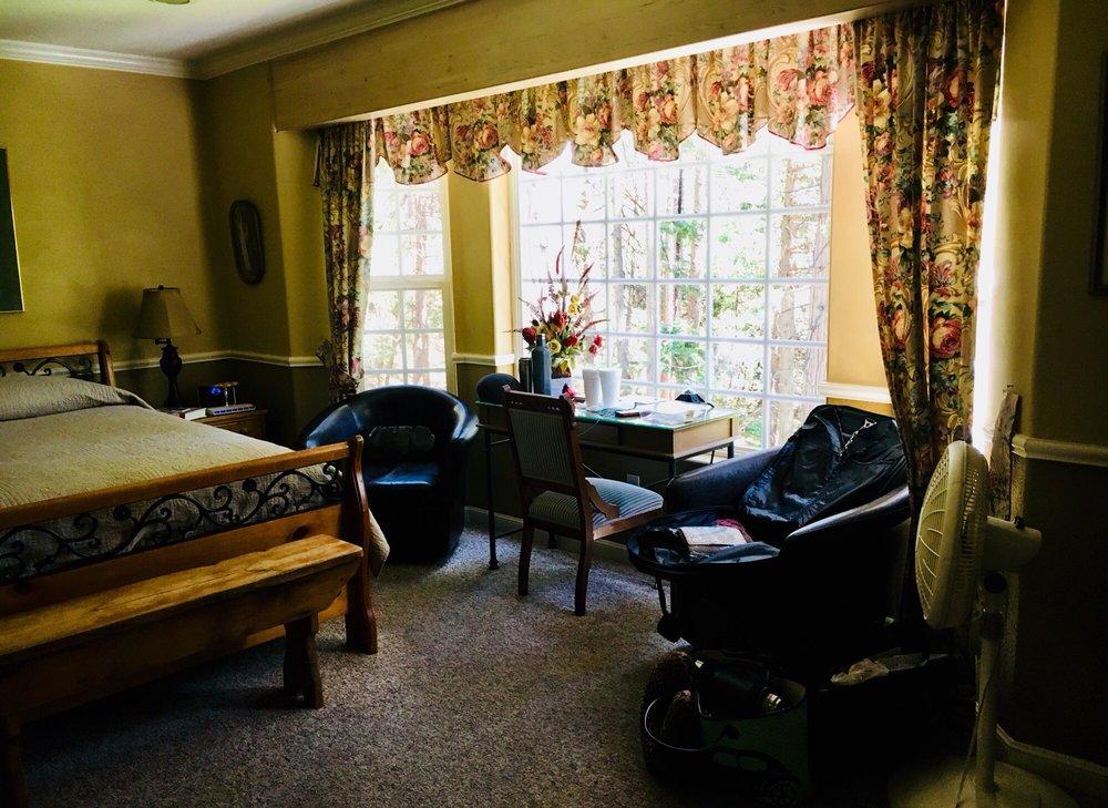 McCaffrey House Bed & Breakfast: 23251 Hwy 108, Twain Harte, CA