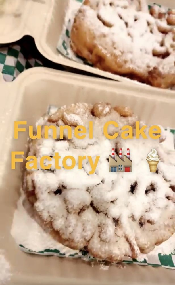 Food from Funnel Cake Factory Saint Louis