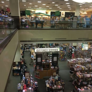 Barnes And Noble 19 Photos 13 Reviews Bookstores 8030