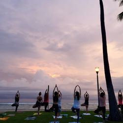 Photo Of Beach Sunset Yoga Hawaii Honolulu Hi United States