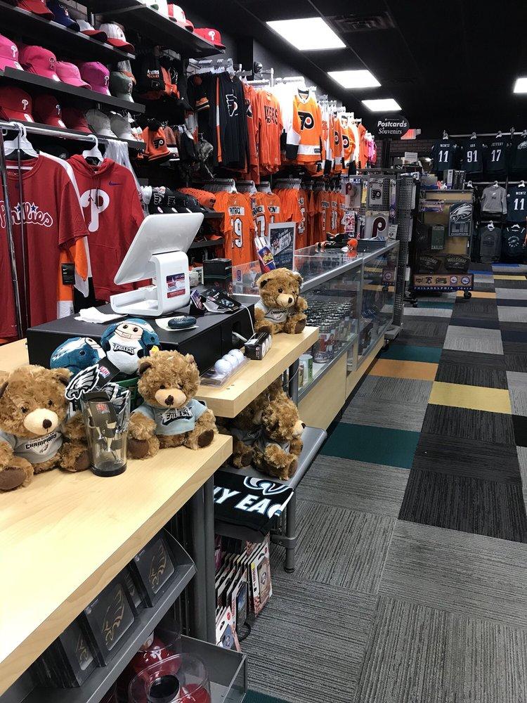 Philly Team Store: 1720 Chestnut St, Philadelphia, PA