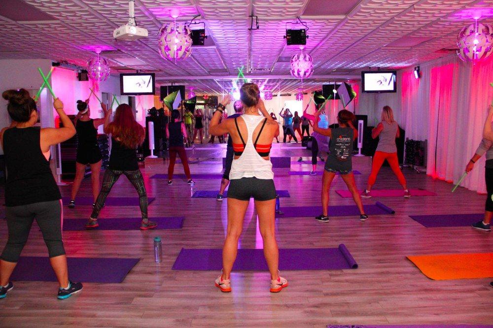 Jam Box Fitness Lounge: 3965 Beltline Rd, Addison, TX