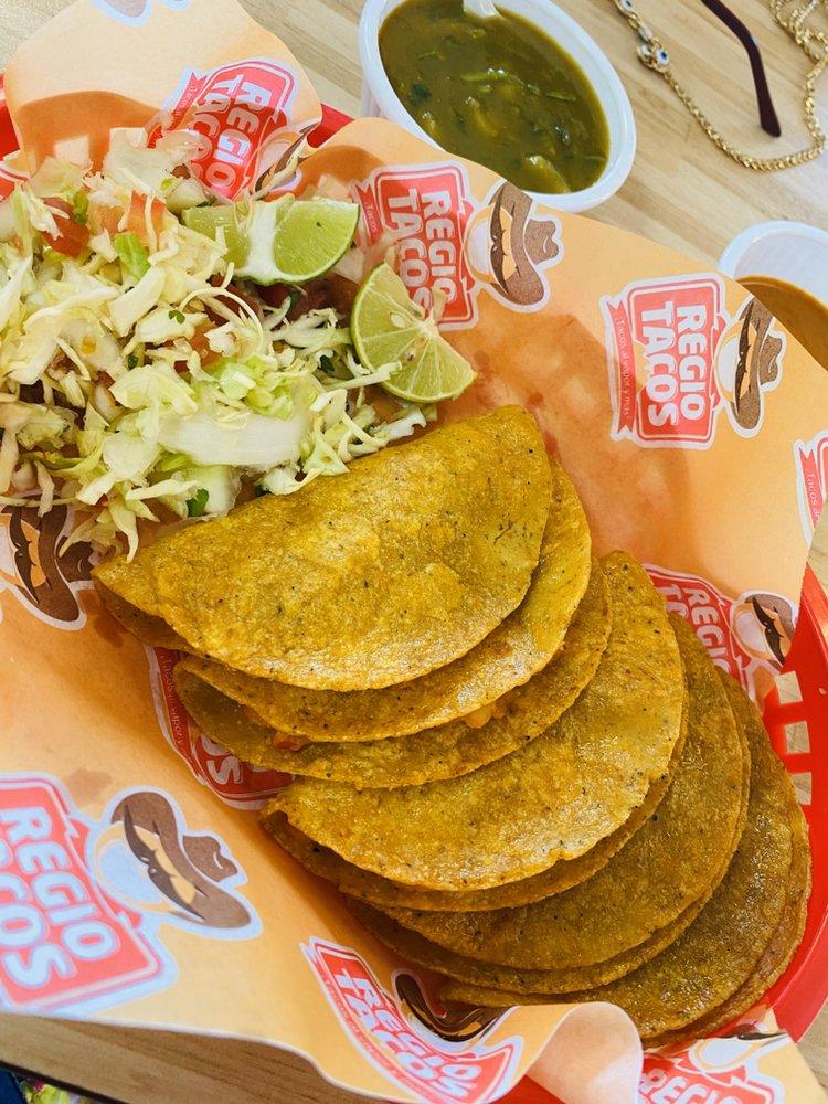 Regio Tacos: 912 E Nolana Lp, Pharr, TX