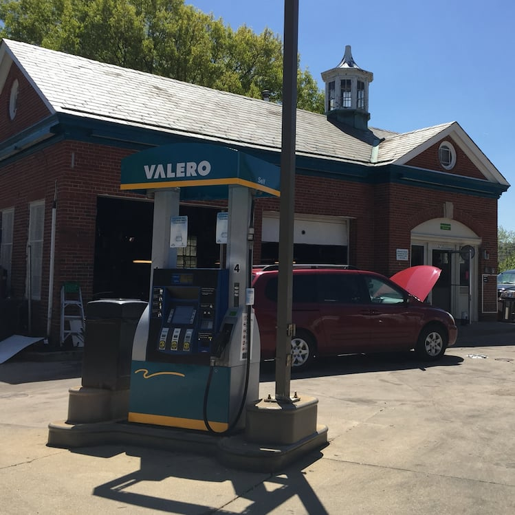 Gas & Service Stations