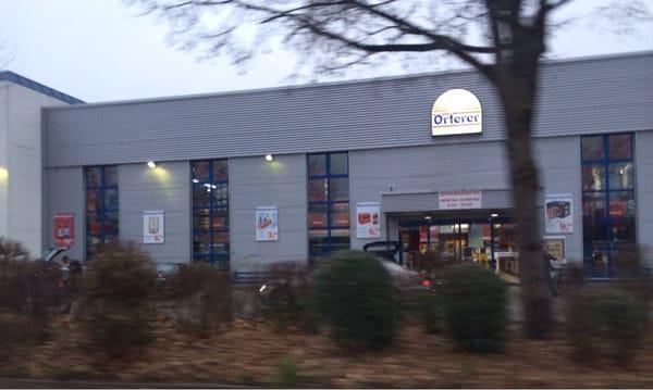 Orterer Getränkemärkte - Beverage Store - Landshuter Str.18 ...