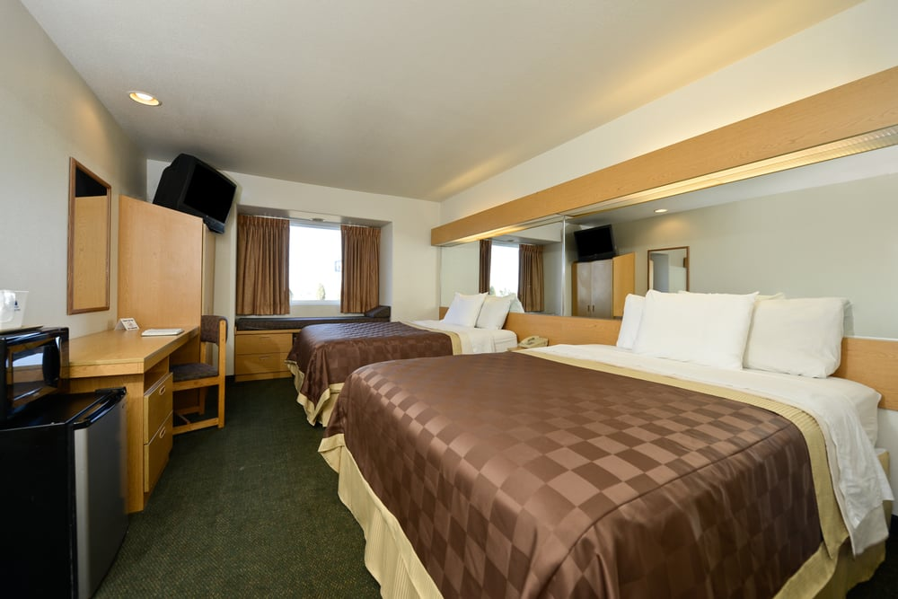 Americas Best Value Inn & Suites: 1003 Lonnie Abbot Blvd, Ada, OK