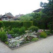 Le Labyrinthe - Jardin des Cinq Sens - 12 Photos - Botanical ...