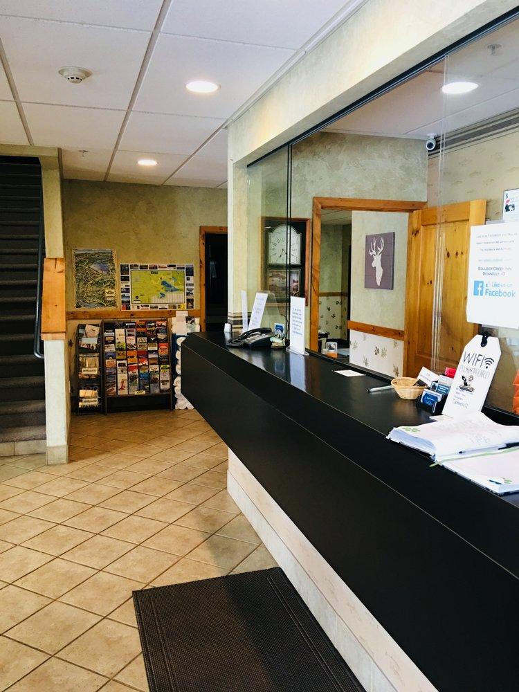 Boulder Creek Inn: 629 S Hwy 55, Donnelly, ID