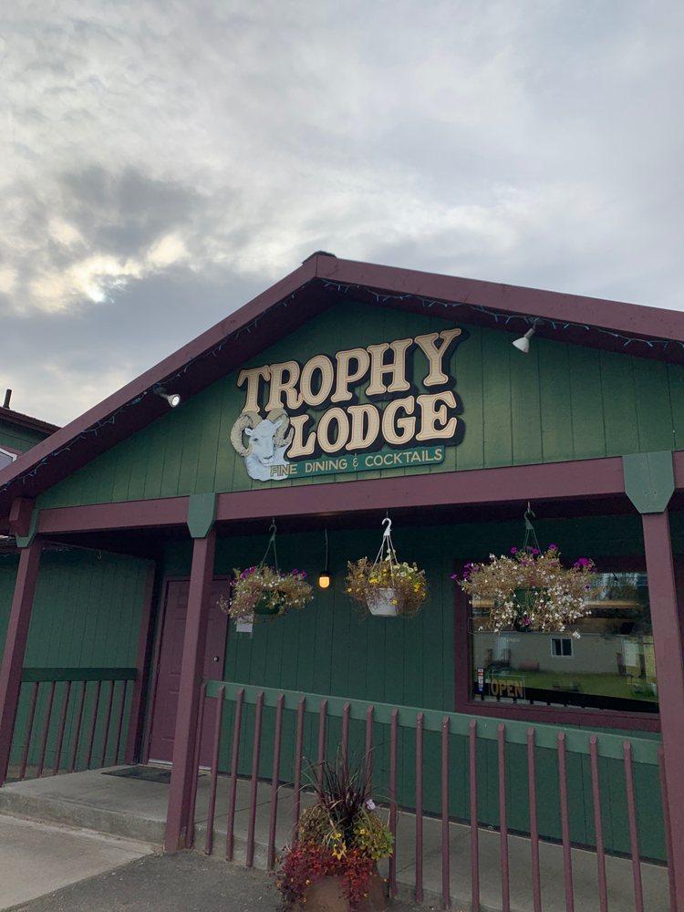 Trophy Lodge: 1420 Alaska Hwy, Delta Junction, AK