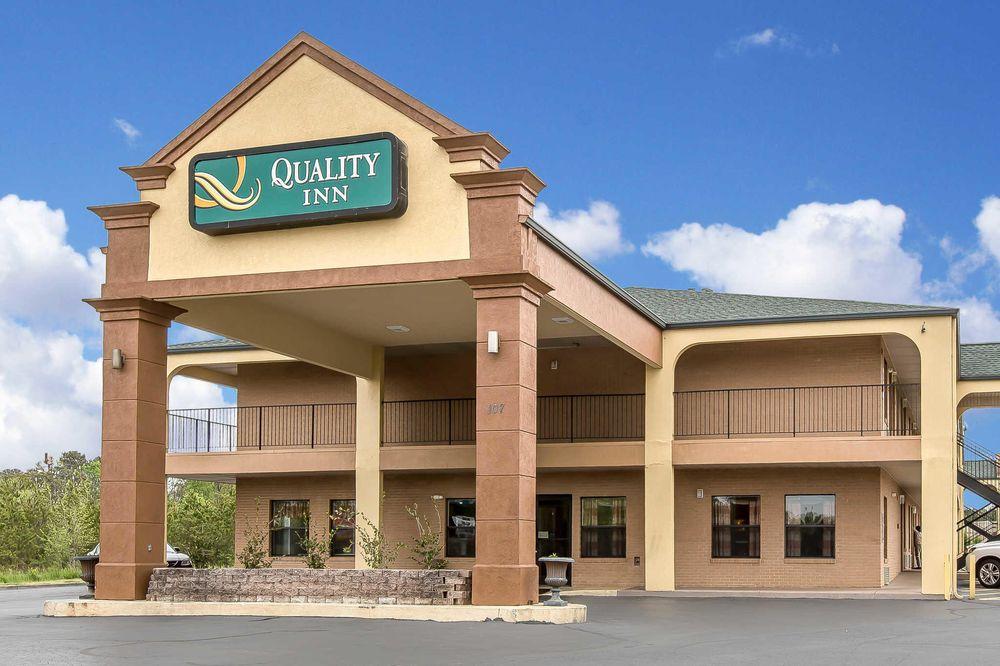 Quality Inn: 107 Princeton Blvd, Adairsville, GA