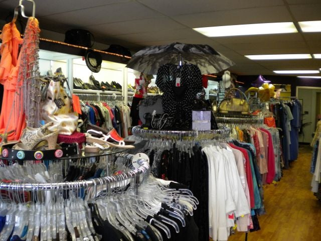 A Closet Connection Ladies Consignment Boutique: 29172 US 19 N, Clearwater, FL