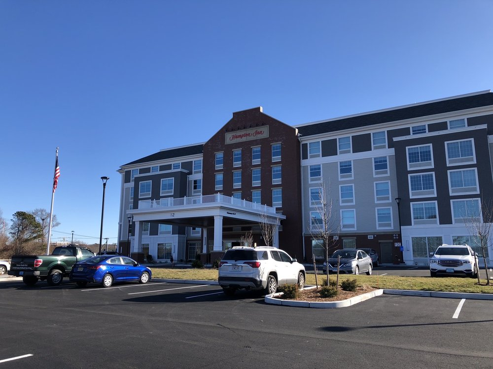 Hampton Inn Cape Cod Canal: 12 Kendall Rae Pl, Buzzards Bay, MA
