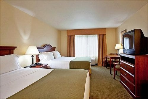 Holiday Inn Express & Suites Claypool Hill: 180 Clay Dr, Pounding Mill, VA