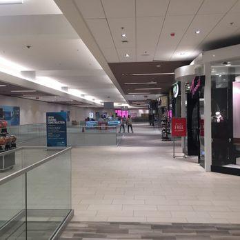 02140011bb29c The Shoppes at Carlsbad - 90 Photos & 93 Reviews - Shopping Centers ...