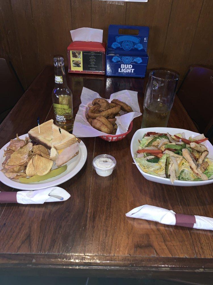 Tavern 101: 101 S Main St, Ada, OH