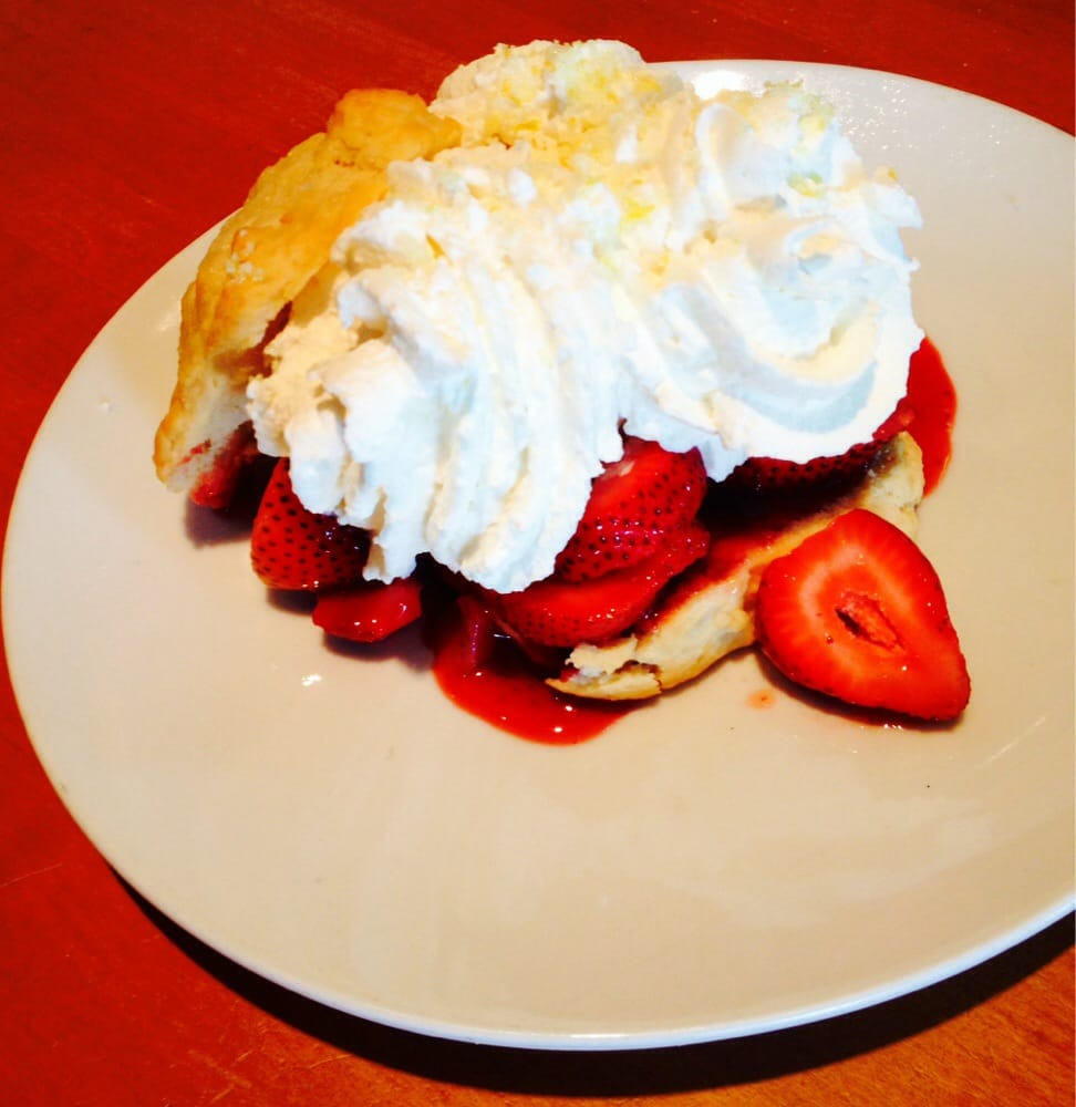 good California Pizza Kitchen Grapevine #9: Photo of California Pizza Kitchen - Grapevine, TX, United States. Amazing strawberry shortcake