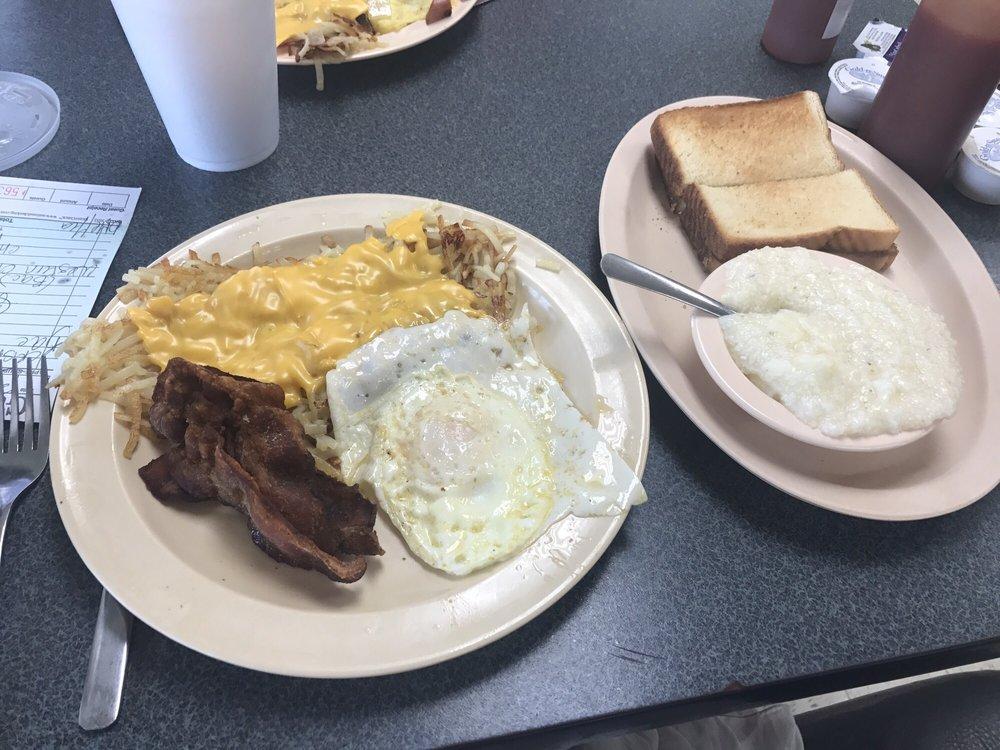 Randleman 66 Cafe: 224 S Main St, Randleman, NC