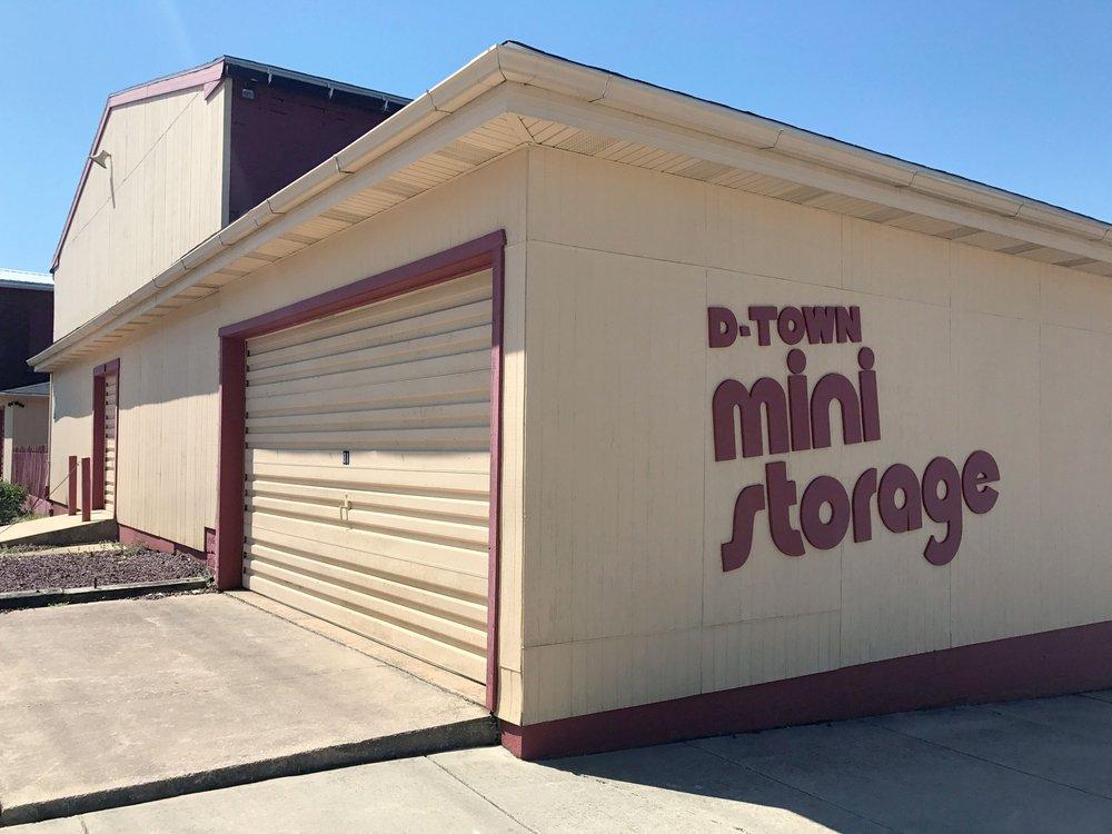 D-Town Mini Storage: 112 S Walnut St, Dallastown, PA