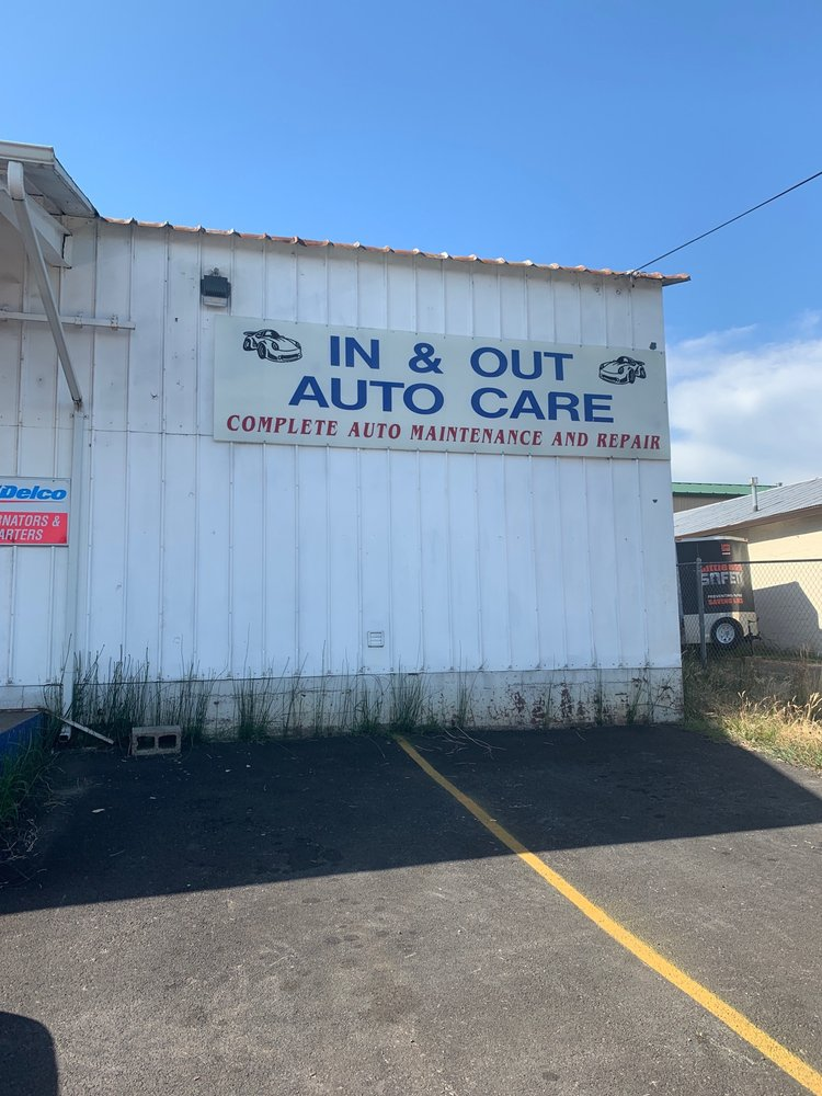 In & Out Auto Care: 610 E 1st St, Gladstone, OR