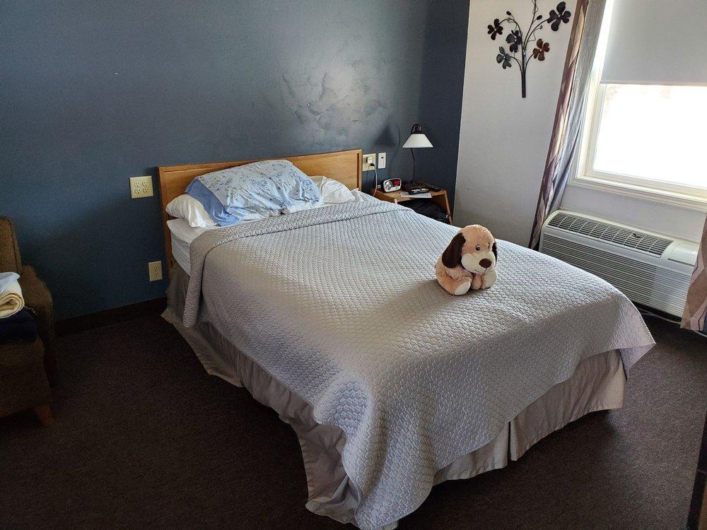 Motel 57: 1161 Green Bay Rd, Sturgeon Bay, WI