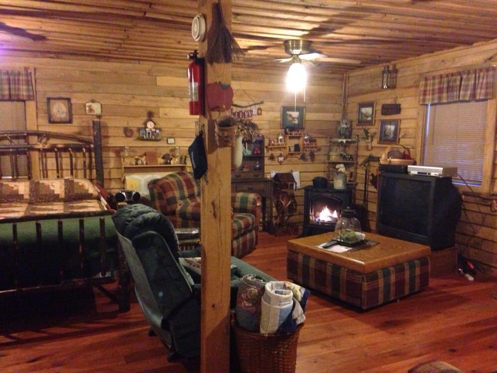 Whistling Woods: Skidmore Rd, Frenchburg, KY