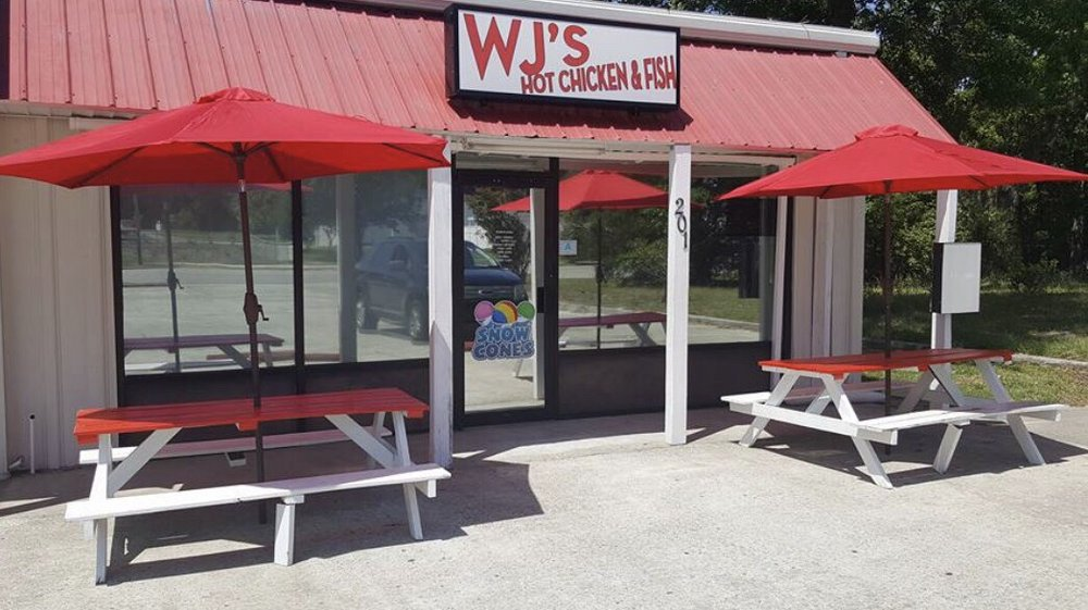 WJ's Hot Chicken & Fish: 201 W Broadway St, Johnsonville, SC