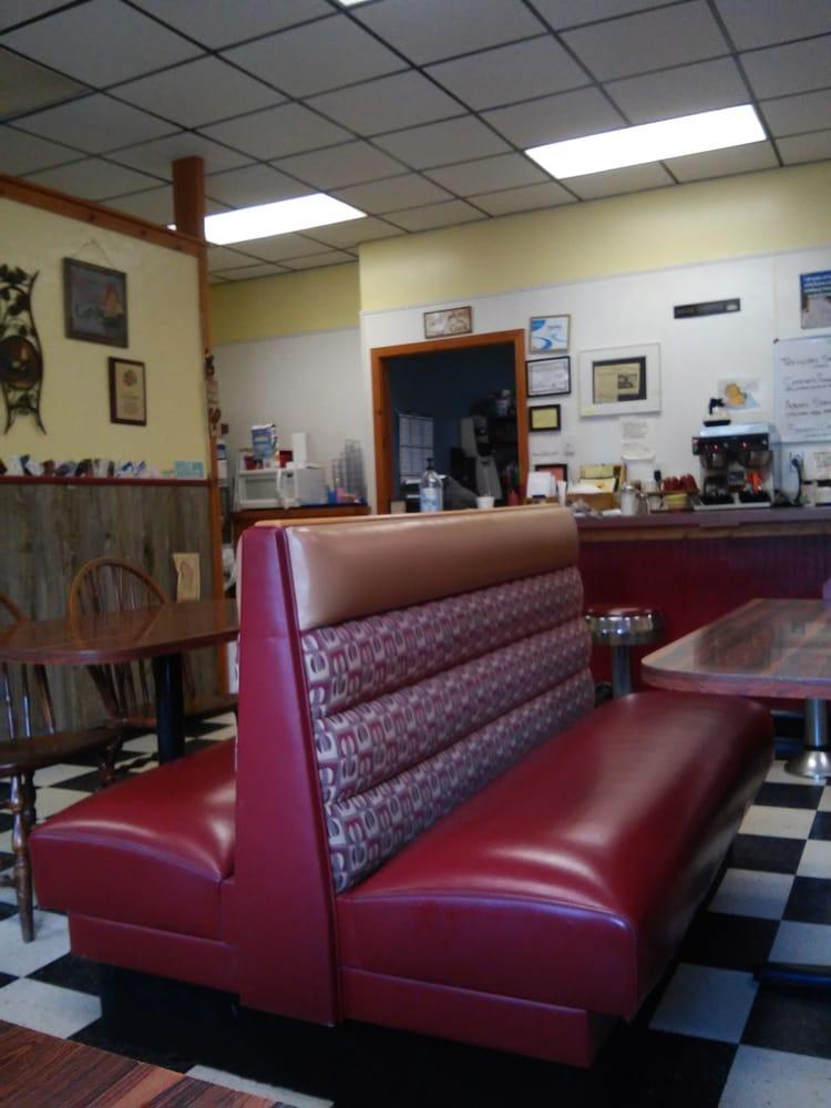 Rise N' Shine Diner: 237 W Main St, East Brookfield, MA