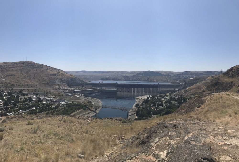 Grand Cooley Dam Visitor Center: Lake Roosevelt National Recreation, Grand Coulee, WA